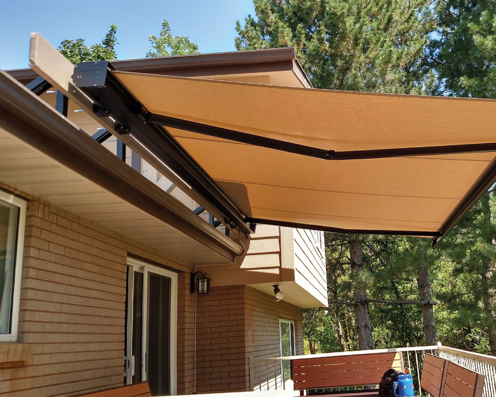 Retractable patio awnings sugarhouse awning for Retractable patio awning canopy